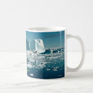 氷山、グリーンランドの冬 コーヒーマグカップ