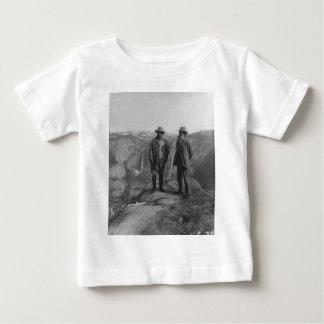 氷河ポイントのセオドア・ルーズベルトおよびジョンMuir ベビーTシャツ