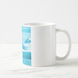 氷河公園モンタナでカヌーをこぐ湖 コーヒーマグカップ