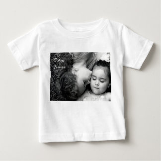 永久にO/Sistersの幼児Tシャツのためのキス ベビーTシャツ