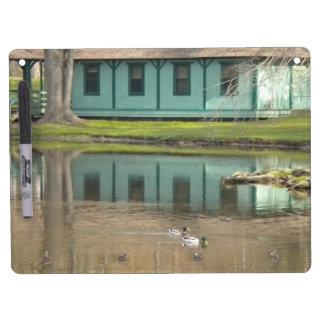 池のホワイトボードw/Keyのホールダーのアヒル キーホルダーフック付きホワイトボード