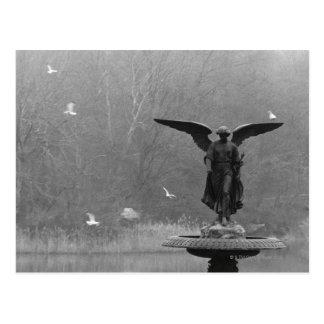 池の天使の彫刻 ポストカード