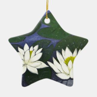 池の白い《植物》スイレンの花 セラミックオーナメント
