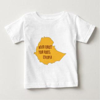 決してあなたの根を忘れないで下さい: エチオピア ベビーTシャツ