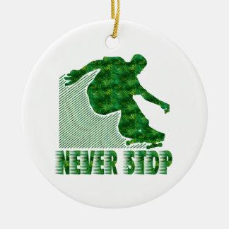 決してストップ: スケートボードをするオーナメント セラミックオーナメント