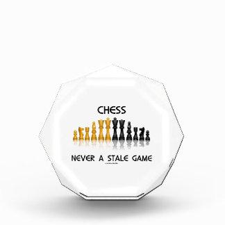 決してチェス古いゲーム(反射チェスのこまセット) 表彰盾