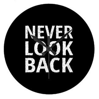 決してバックの活気づけるなレトロのタイポグラフィを見ないで下さい ラージ壁時計