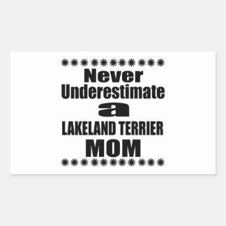 決してレークランドテリアのお母さんを過少見積りしないで下さい 長方形シール