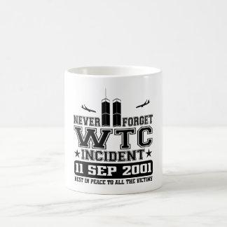 決して世界貿易センター2001年9月11日忘れないで下さい コーヒーマグカップ
