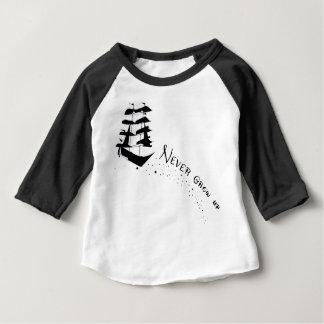 決して海賊船のワイシャツを育たないで下さい ベビーTシャツ