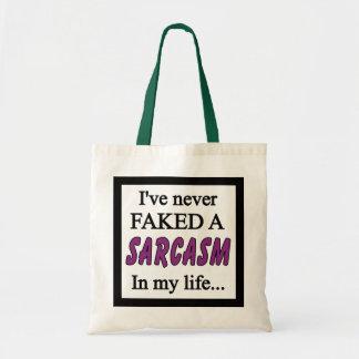 決して皮肉の紫色を偽造しませんでした トートバッグ