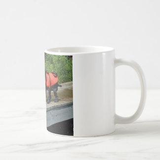 決して私を振り払いません コーヒーマグカップ