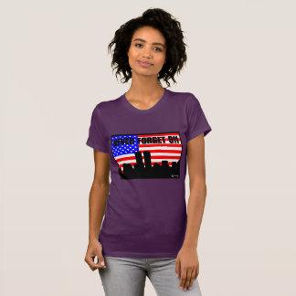 決して911枚のTシャツの紫色を忘れないで下さい Tシャツ
