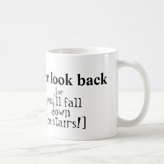 """""""決して""""マグを見ないで下さい コーヒーマグカップ"""