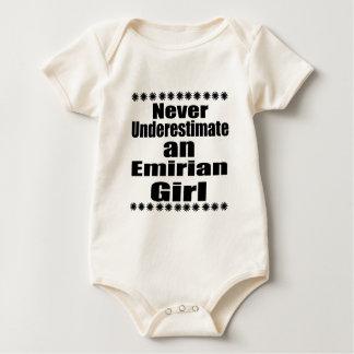 決してEmirianの女の子を過少見積りしないで下さい ベビーボディスーツ