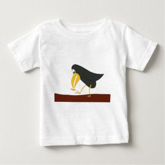 決闘-鳥およびみみず ベビーTシャツ