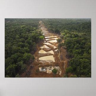 沖積金ゴールドの採鉱。 雨林、ガイアナ ポスター