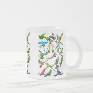 沢山のオウムのマグ フロストグラスマグカップ