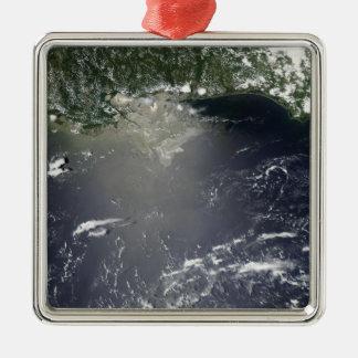 油の漏出の衛星眺め メタルオーナメント