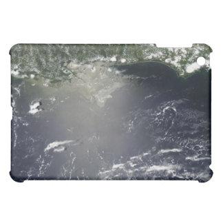 油の漏出の衛星眺め iPad MINIケース