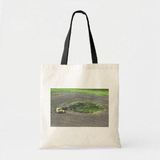 沼地の流出 トートバッグ