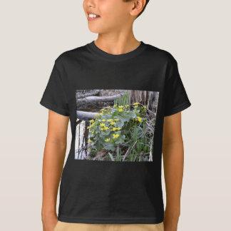 沼地マリーゴールド Tシャツ