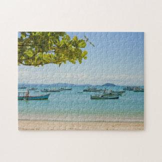 沿岸芸術の青い海およびボートの写真 ジグソーパズル