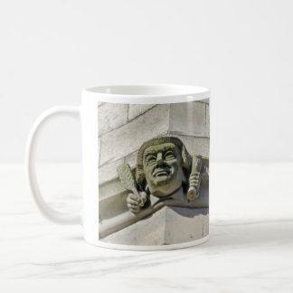 法的ガーゴイルのマグ コーヒーマグカップ