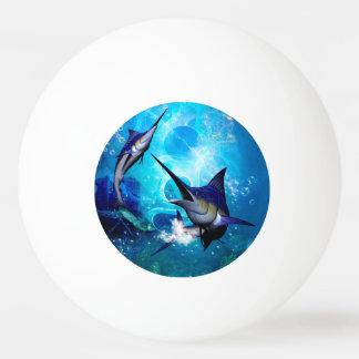 泡を持つマカジキ 卓球ボール