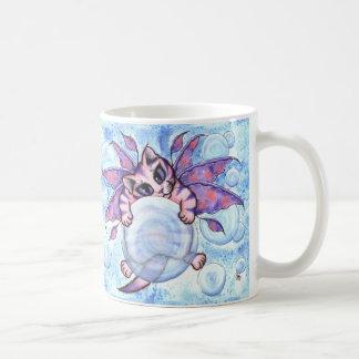 泡妖精の子ネコのファンタジーによっては猫の芸術のマグが飛びました コーヒーマグカップ