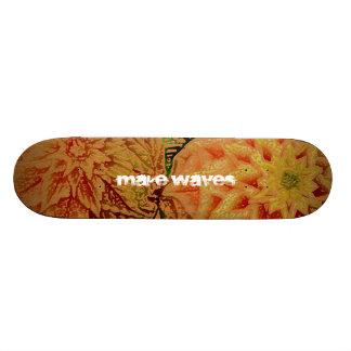 波にハワイのヒップスターのスケートボードをして下さい スケボー
