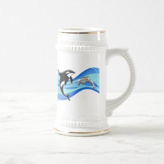 波のシャチそしてイルカ ビールジョッキ