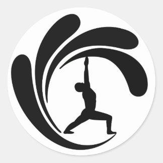 波のヨガマウイ-クラシックな円形のステッカー ラウンドシール
