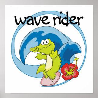波のライダーのTシャツおよびギフト ポスター