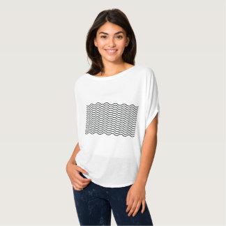 波の上を感じること Tシャツ