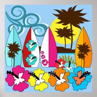 波の店のサーフィンの海のビーチのサーフボードのヤシの木 ポスター