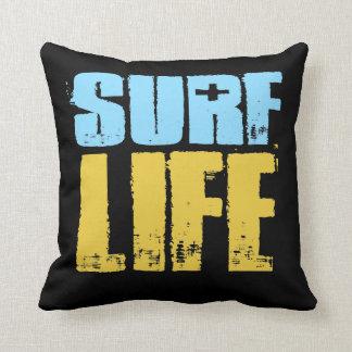 波の生命ビーチのサーファーのスタイル クッション