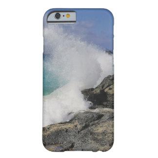 波の顔 BARELY THERE iPhone 6 ケース