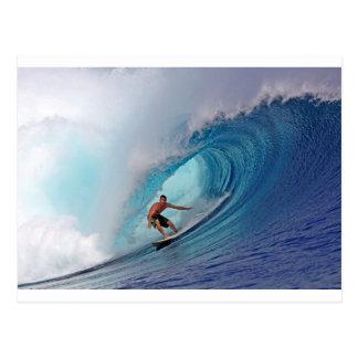 波のMentawaiのサーフの大きく青い島 ポストカード