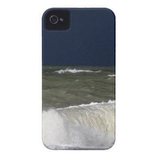 波のundが付いている嵐の海濃紺の空 Case-Mate iPhone 4 ケース