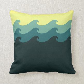 波は装飾用クッションを設計しました クッション
