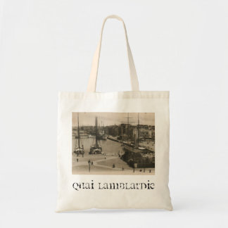 波止場のルアーブル- Quai Lamblardieの帆船 トートバッグ