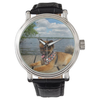 波止場のpomの子犬 腕時計