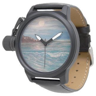 波、ビーチの腕時計を振って下さい、見て下さい、浜に引き上げて下さい、浜に引き上げて下さい、 腕時計