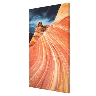 波、朱色の崖、アリゾナ キャンバスプリント