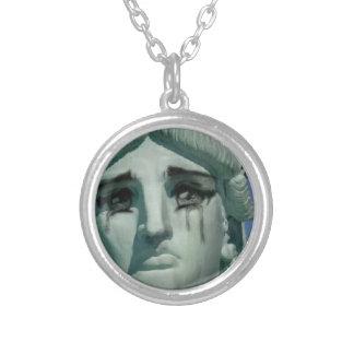 泣き叫びの自由の女神 シルバープレートネックレス