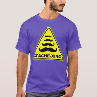 注意の印: 髭の交差 Tシャツ