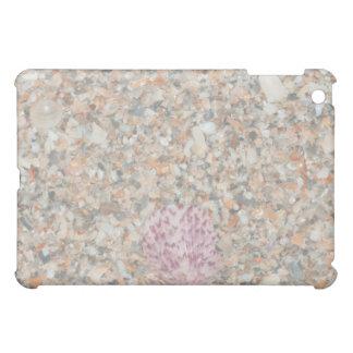 洗浄された押しつぶされた貝の帆立貝のビーチのイメージ iPad MINIケース