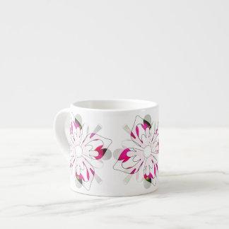 洗練されたファンタジーの花のカプチーノのコップ エスプレッソカップ