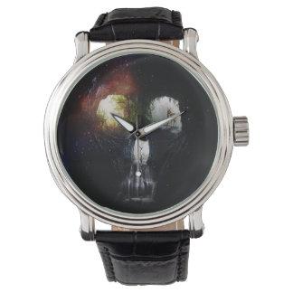 洞窟のスカル 腕時計